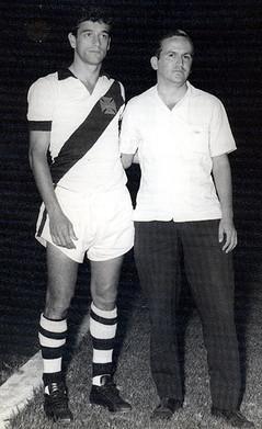 O saudoso delegado José Geraldo Camargo, o Picolé, enquanto centro-avante do Vasco da Gama.