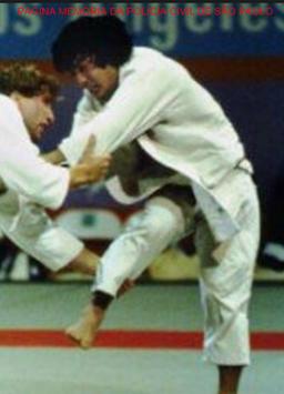 nvestigador de Polícia Luís Yoshio Onmura, medalha de bronze na Olimpiada de Los Angeles- USA, em 1984.  Foi convidado para carregar a tocha, nos jogos olímpicos RJ- Brasil, em agosto de 2.016.