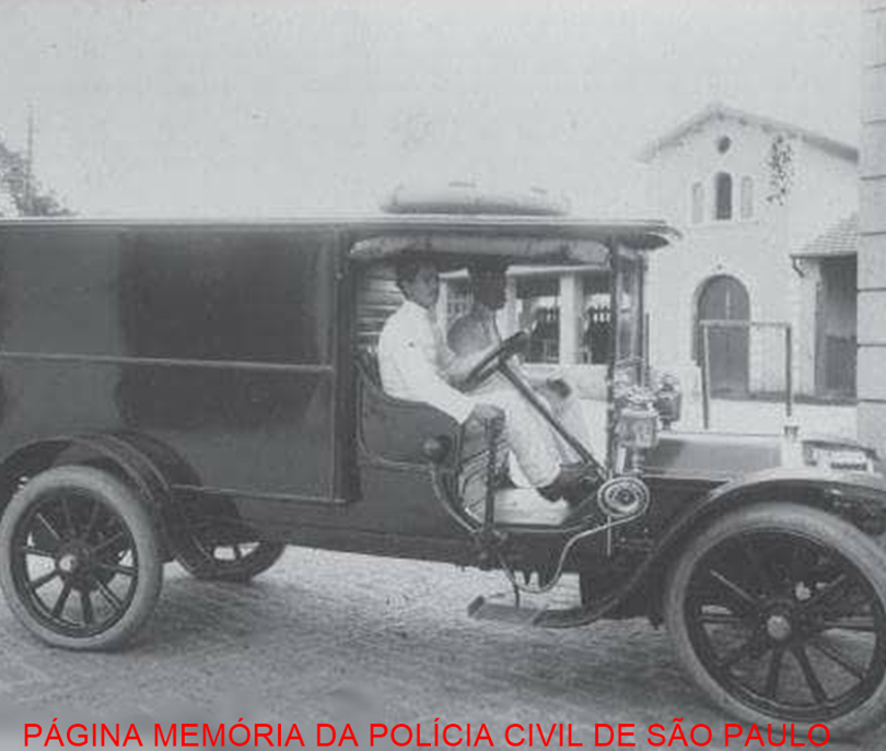 Carro de remoção de cadáveres, em 1918.