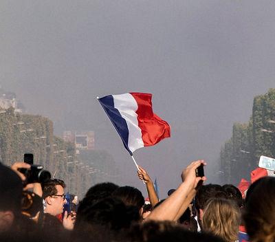 city-crowd-daylight-2267338_edited.jpg