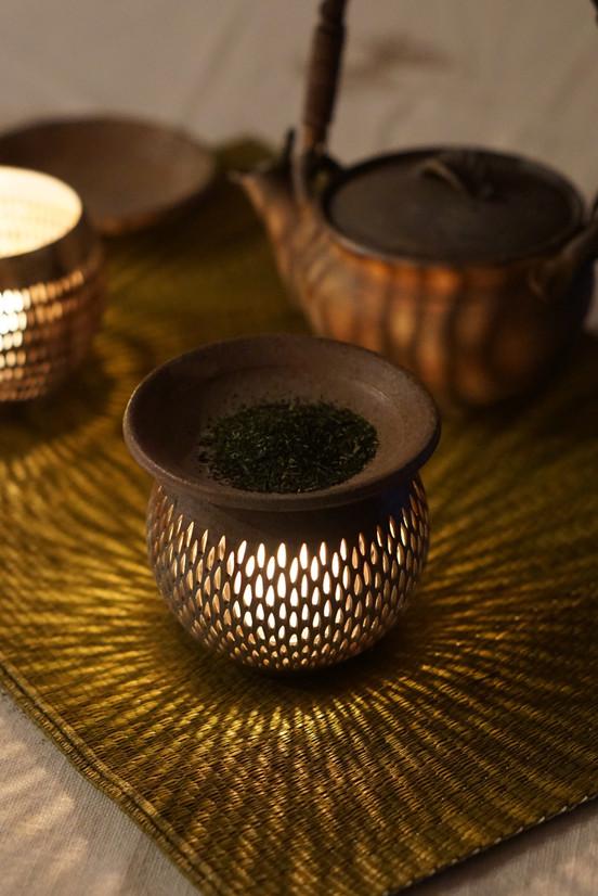 Bizen candle holder and tea warmer