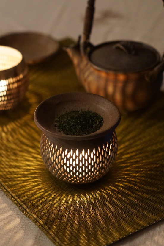 Bizen candle holder and tea warmer
