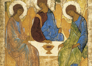 پاسخ به اشکالی تثلیثی در خصوص یکسان بودن صفات خدا و تثلیث