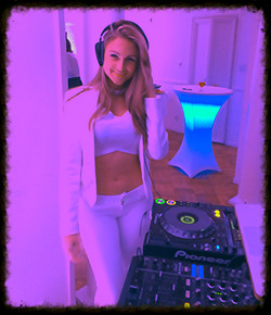 Dj Bad Ash all white party