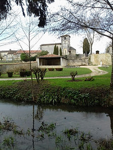 Eglise de Blanzaguet Copyright 2021 Les Echappées Vertes
