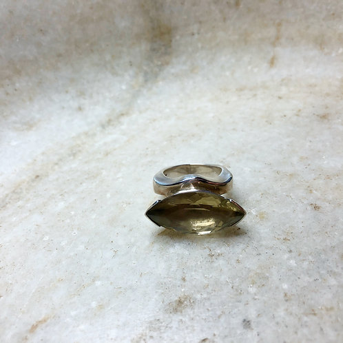 Faceted citrine eye silver ring