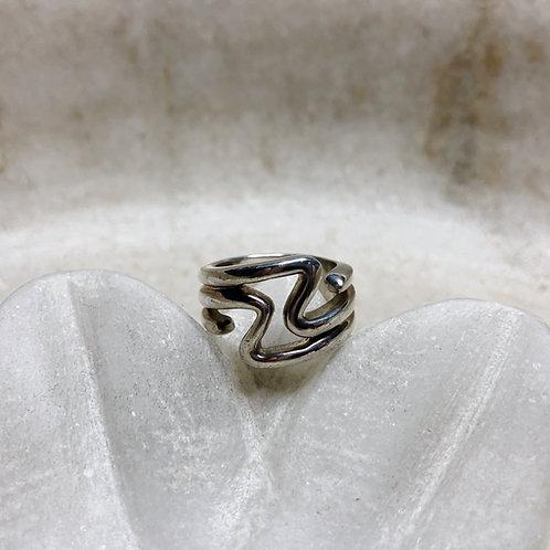 Jagged lightning silver ring