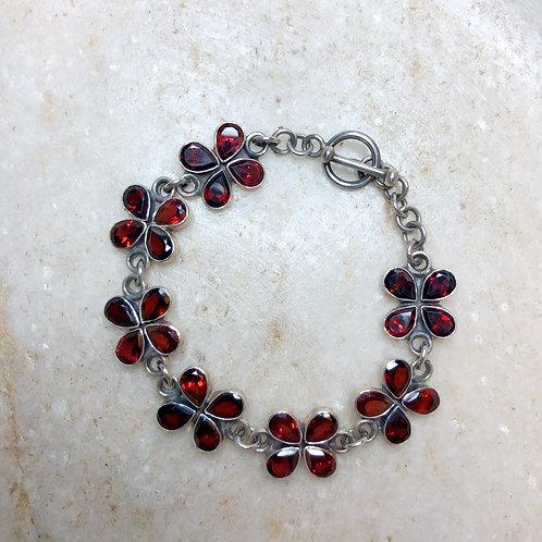 Garnet clovers silver bracelet