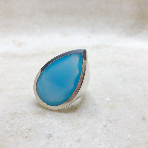 Chalcedony tilting teardrop silver ring