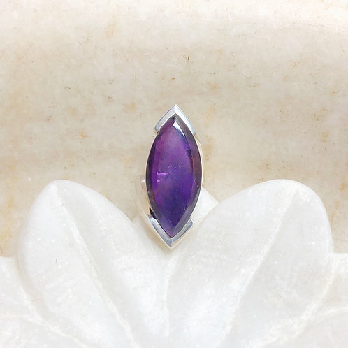 Long amethyst silver ring