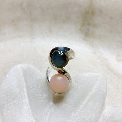 Labradorite and peach moonstone silver ring