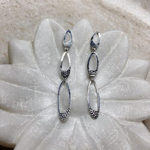 Elegant ovals silver post earrings