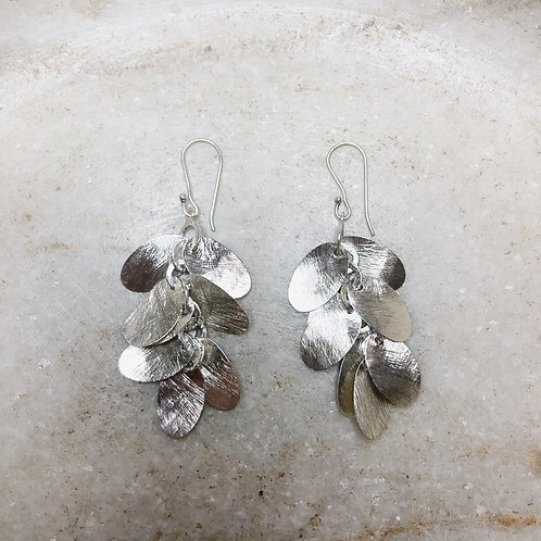 Hanging petals silver earrings