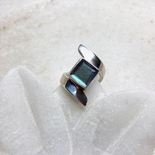 Labradorite square silver ring