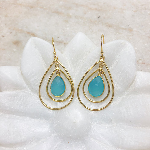 Chalcedony teardrop in gold earrings