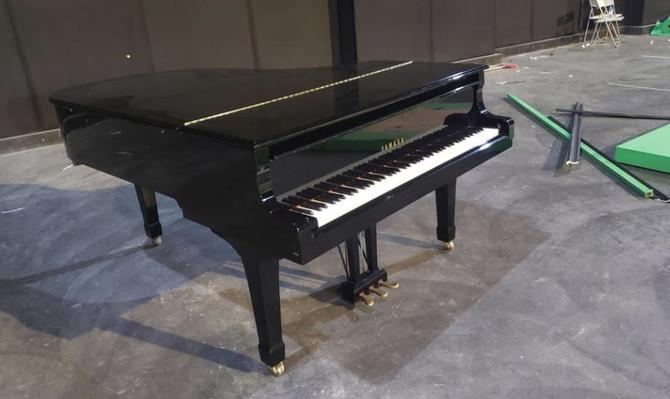 亞洲鋼琴城😍三角琴租用服務