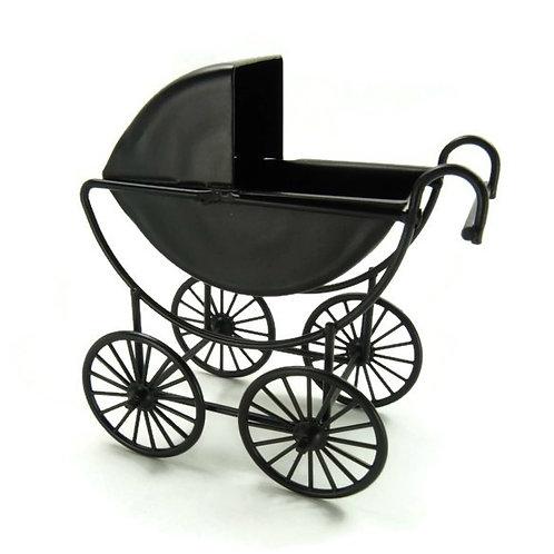 Carrinho de bebé em metal