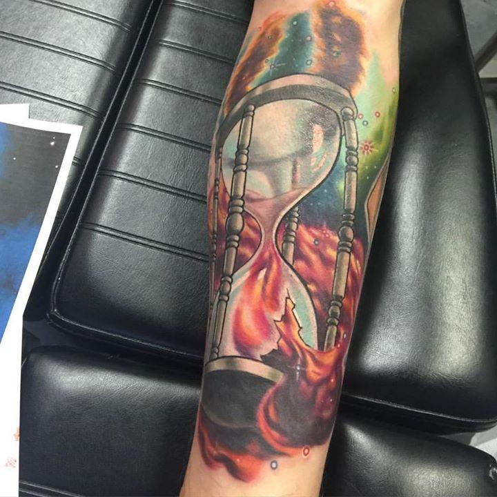 FFFFUUUUNNNNN!!!! #hourglass#space#hourglasstattoo#spacetattoo#nebula#nebulatattoo#tattoo #ink #ilm