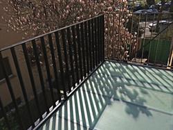 Bodengläser auf Balkon