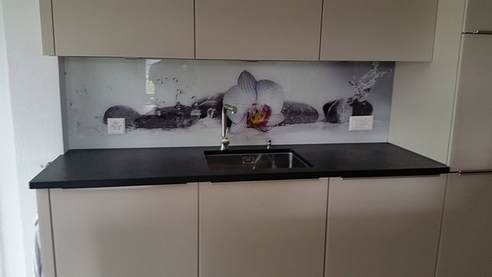 Strahm Glastech | Glasrückwände | {Küche rückwand 35}