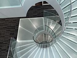 Boden und Treppengläser