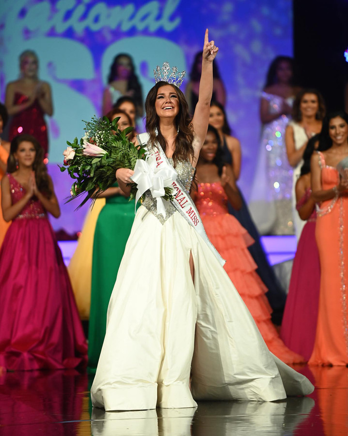 Justice Thompson Wins USA National Miss 2021