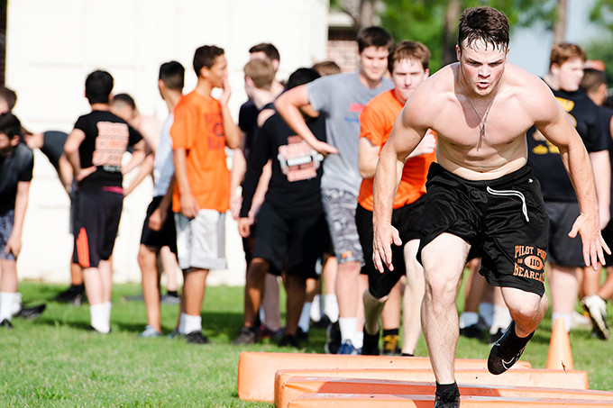 With new season looming, Cats start summer workouts