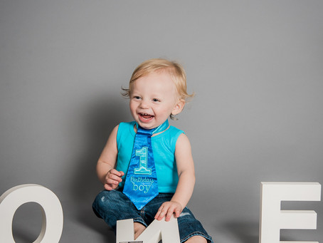 Now Offering Studio Cake Smash Sessions!