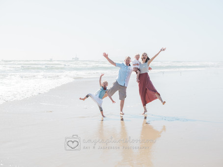 Summer Beach Mini Sessions are HERE!