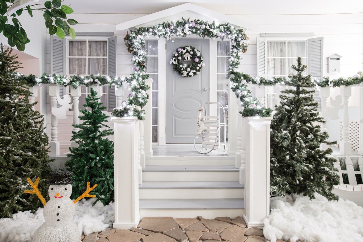 house-entrance-decorated-for-holidays.-C