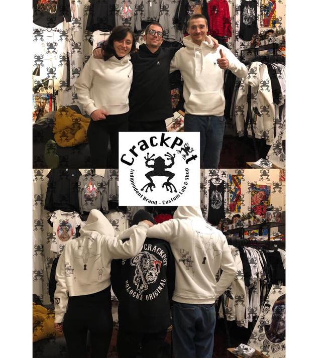Stampa i tuoi disegni su magliette e felpe - CrackPot Bologna