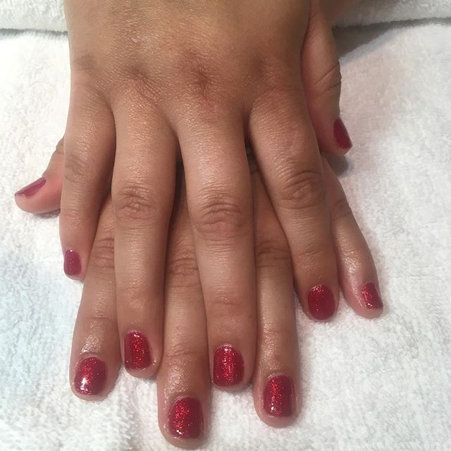 Beautiful Christmas shellac manicure in Ruby Ritz love this red for Christmas 🎄 #nvesthetics #cndsh