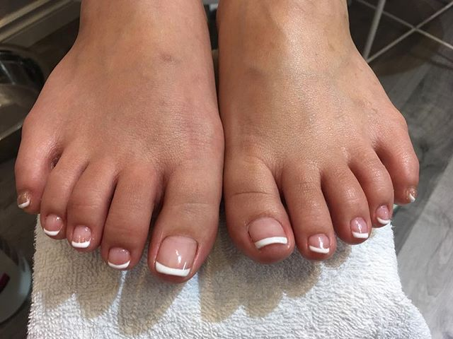 French shellac pedicure! Love this ❤️