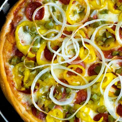 deluxe pizza.jpg