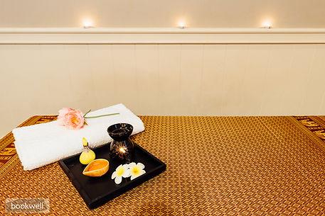 Warm hot oil massage at Annandale Thai Massage in Sydney