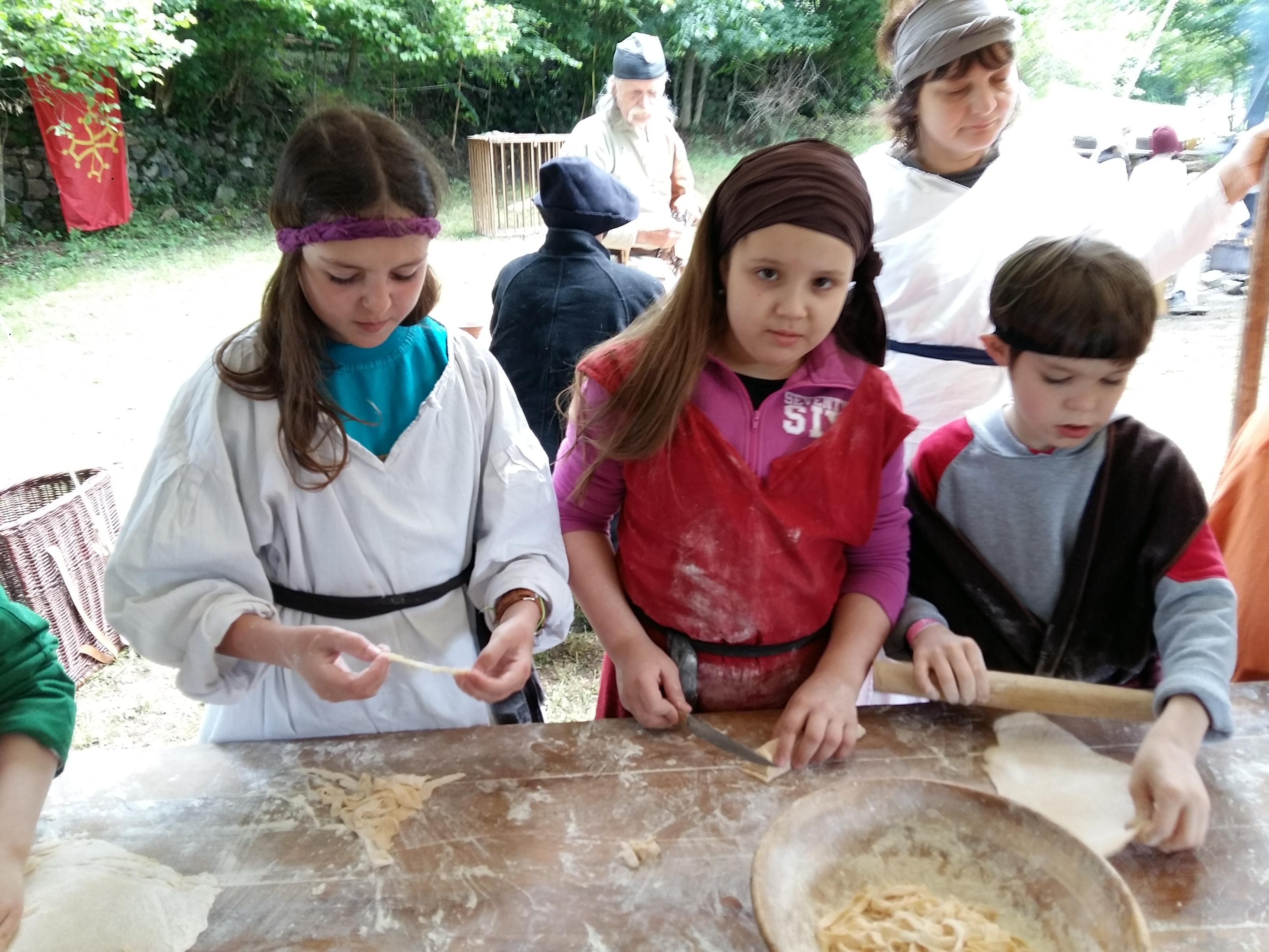 средневековый лагерь во Франции