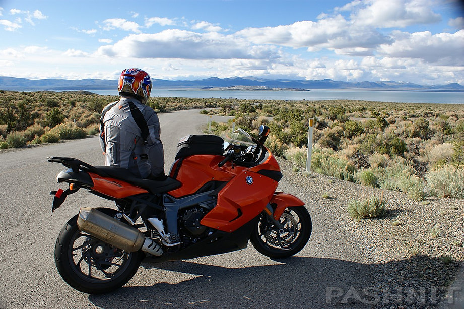 Test Station Rd leads to the parking area along the south shore of Mono Lake