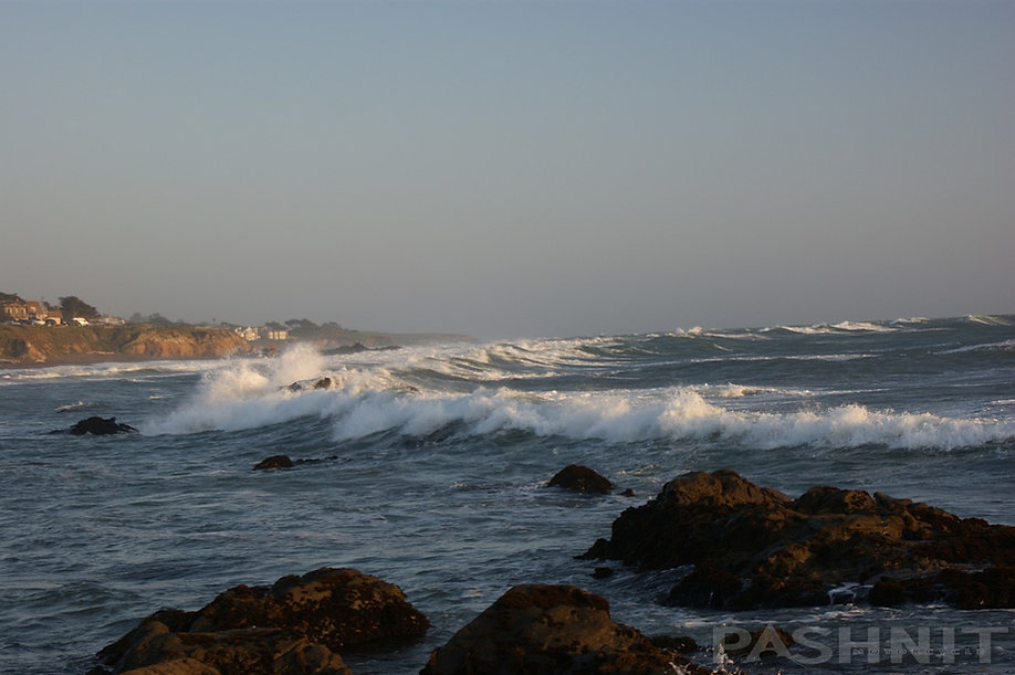 Waves on Moonstone Beach, Cambria, California | Pashnit