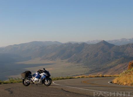 Circle the Sierra Nevada Mountain Range