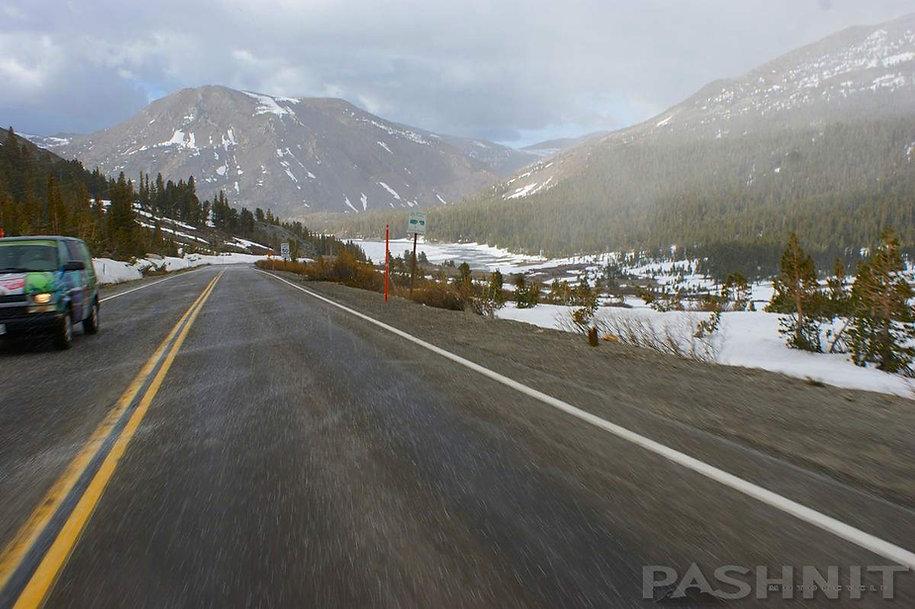Snow flurries on Tioga Pass