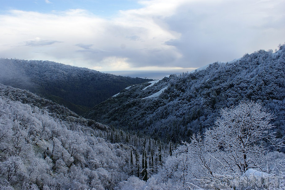 Snowy view of Pacific Ocean on Nacimiento Rd | California Big Sur Coastline