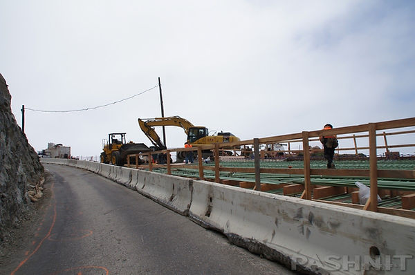 Neverending construction on Highway 1 Californa Big Sur | Pashnit