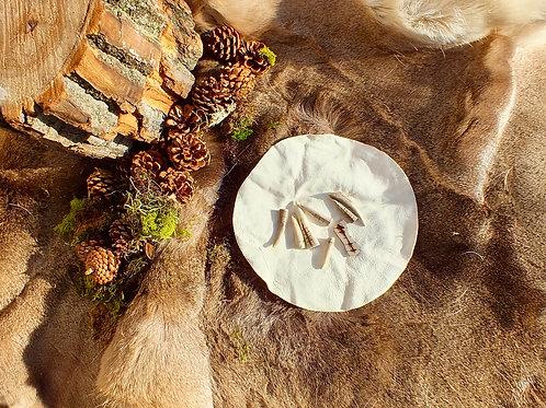 hart oracul divination set seven, made with deer antler + held in deer hide