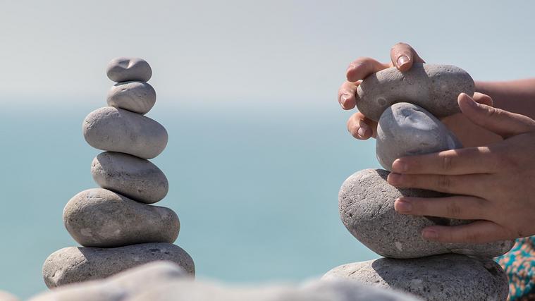 équilibre_pierres.png