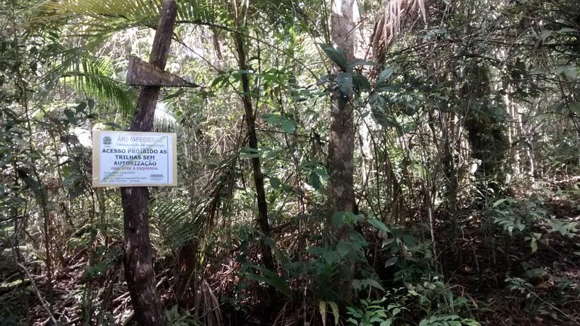 Detalhe de sinalização das trilhas (Trilha do Sagui)
