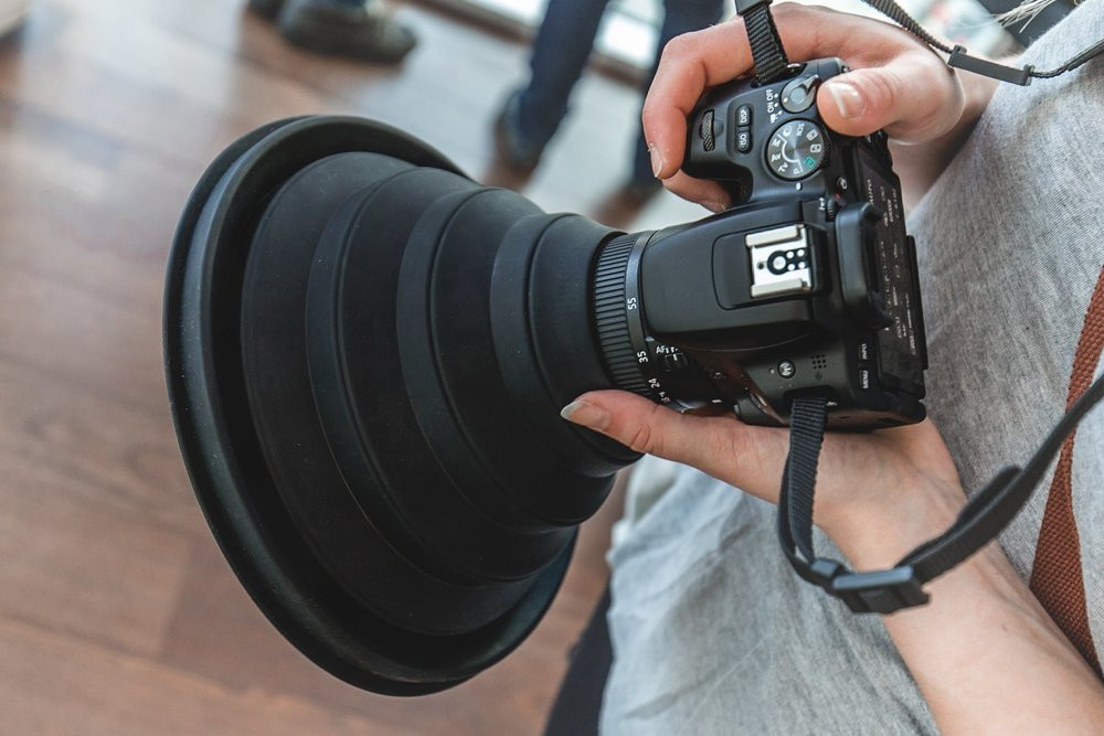 Ultimate Lens Hood stretched out