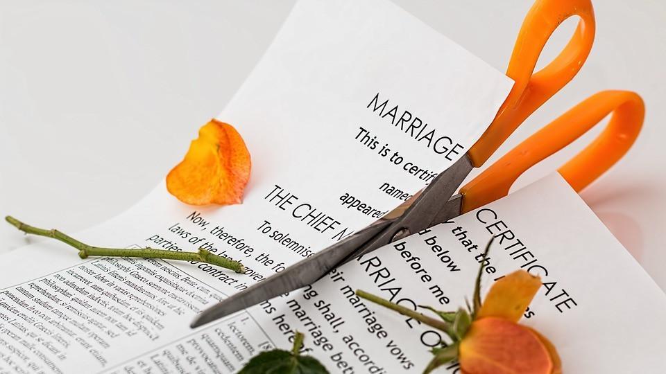 UK's top judges back campaign for divorce law reform