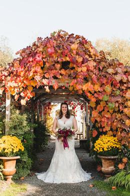AutumnBrideSeattle.TrillFlora
