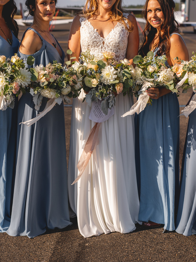 BridesmaidWhiteFlowers _ TrillFlora