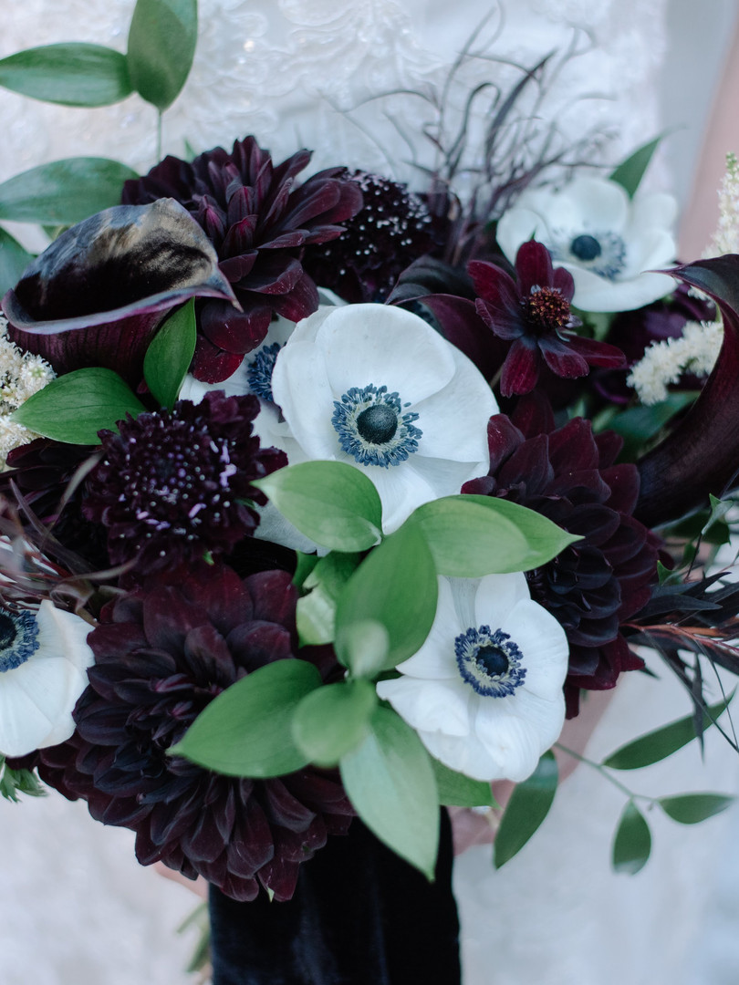 BlackAndWhiteBouquet   Trill Flora